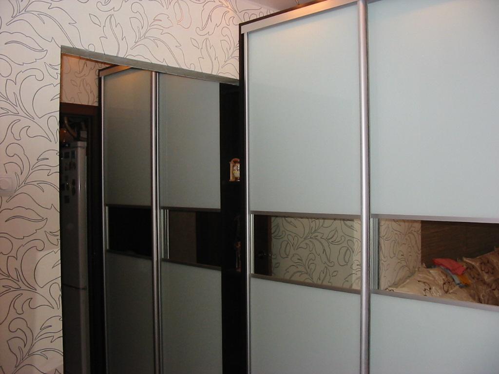 Встроенные шкафы-купе на заказ мебель на заказ в спб.